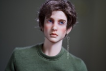 Haunted Stories resin eyes: they lack clear definition between iris and sclera and are slightly irregular. The fit is excellent.